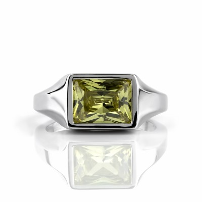 Anillo liso con circonio rectangular 10x8mm