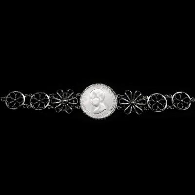 Pulsera de Moneda Antigua Alfonso XIII. Filigrana artesanal hecha a mano. Plata de primera ley envejersida.